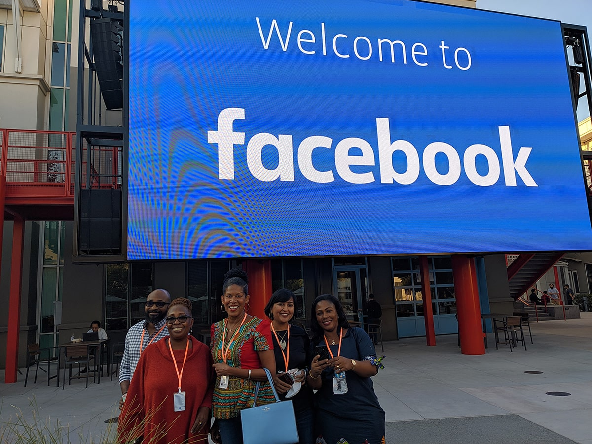 Facebook_Campus_in_Silicon_Valley-min